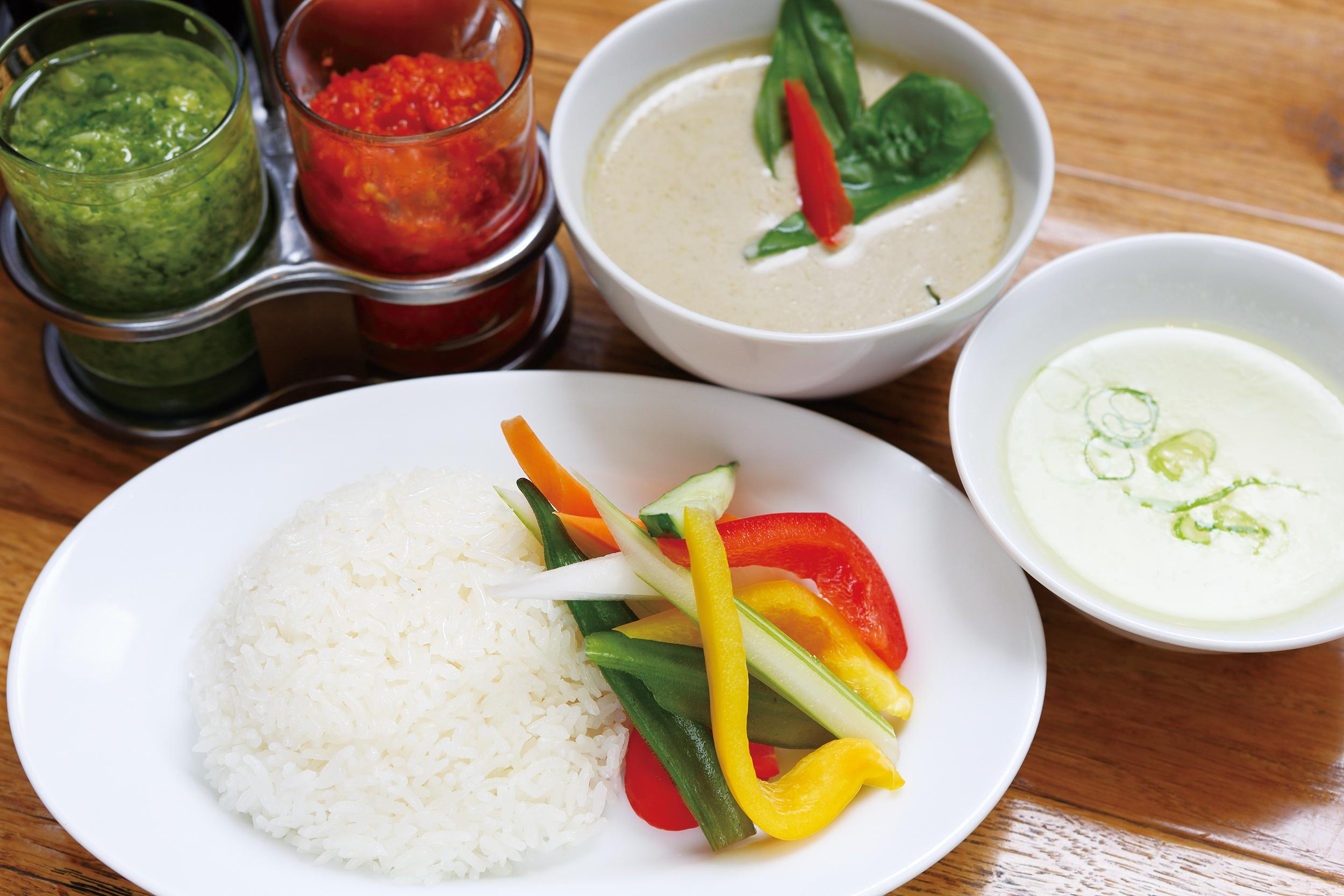 鶏と夏野菜のグリーンカレー
